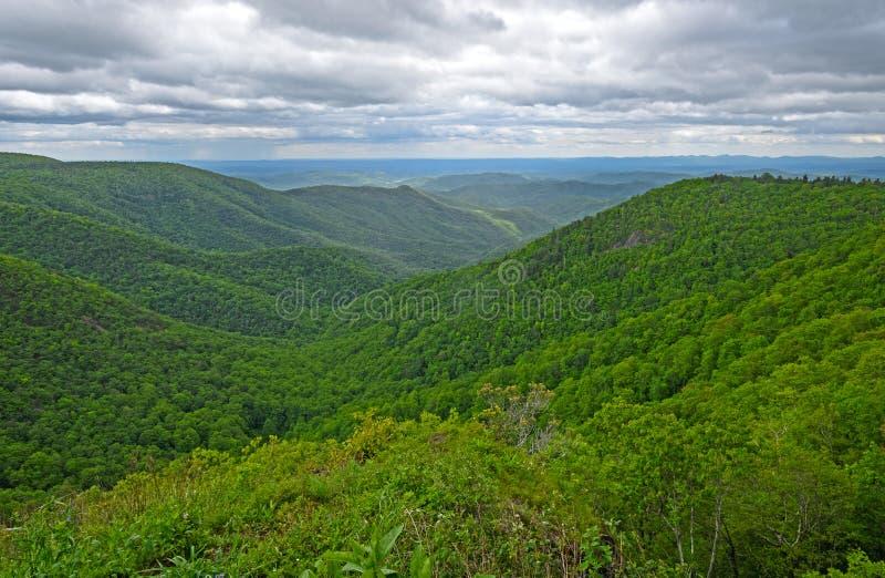 Het kijken neer in een Appalachian Vallei stock fotografie