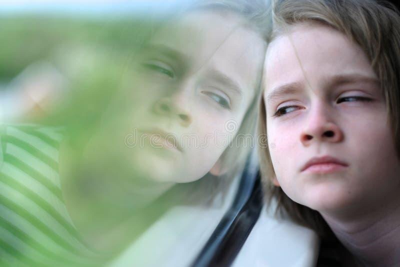 Het kind in de treinauto royalty-vrije stock foto