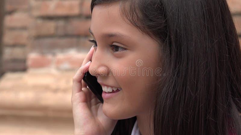 Het Kind die van Latina op Telefoon spreken royalty-vrije stock foto