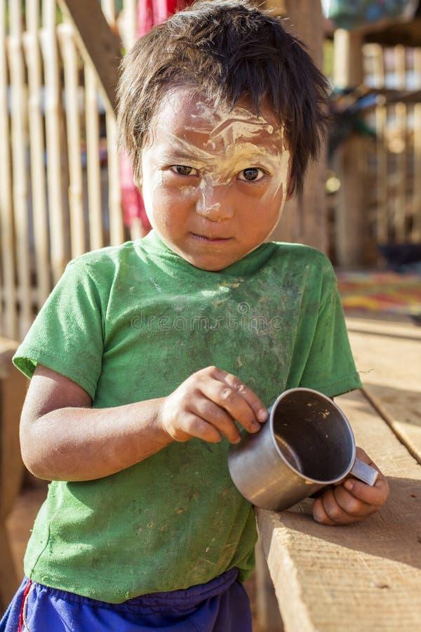 Het Kind van de Padaungstam, Myanmar royalty-vrije stock afbeeldingen