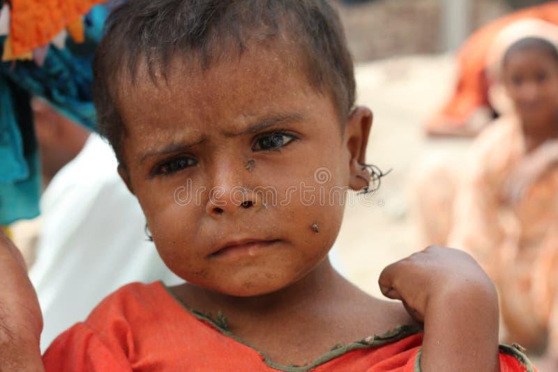 Het Kind van de vluchteling in Pakistan stock foto's