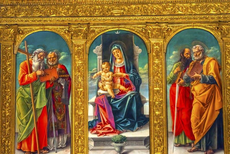Het Kindheiligen die van Vivarinimadonna Santa Maria Gloriosa DE F schilderen stock foto's