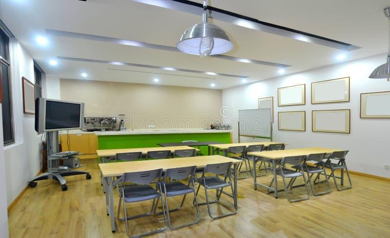 Het klaslokaal van de opleidingsruimte stock foto
