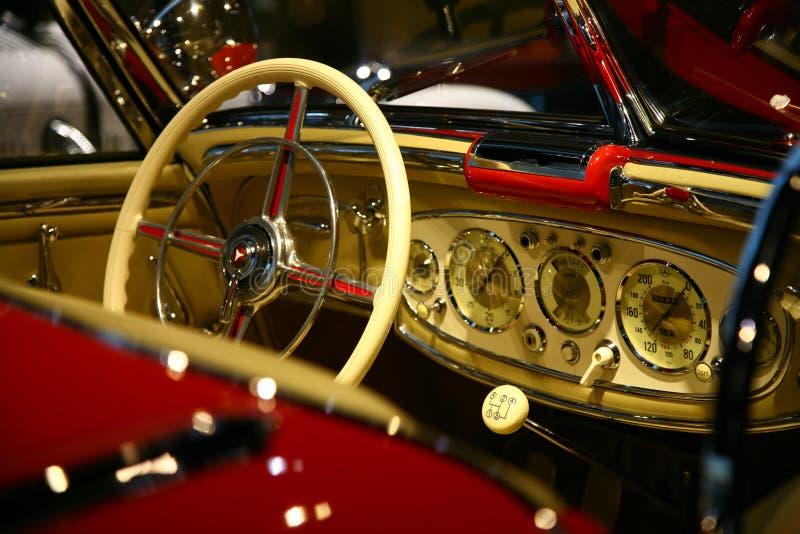 Het klassieke binnenland van de Benzauto van Mercedes stock fotografie