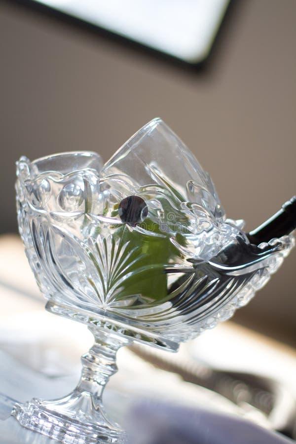 Het kleine glas toont stukken royalty-vrije stock foto's