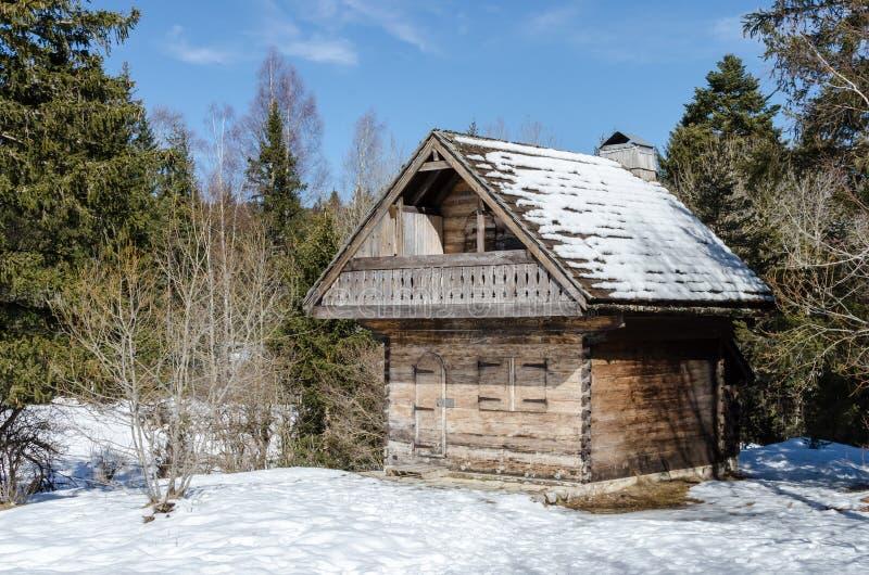 Het kleine plattelandshuisje stock fotografie