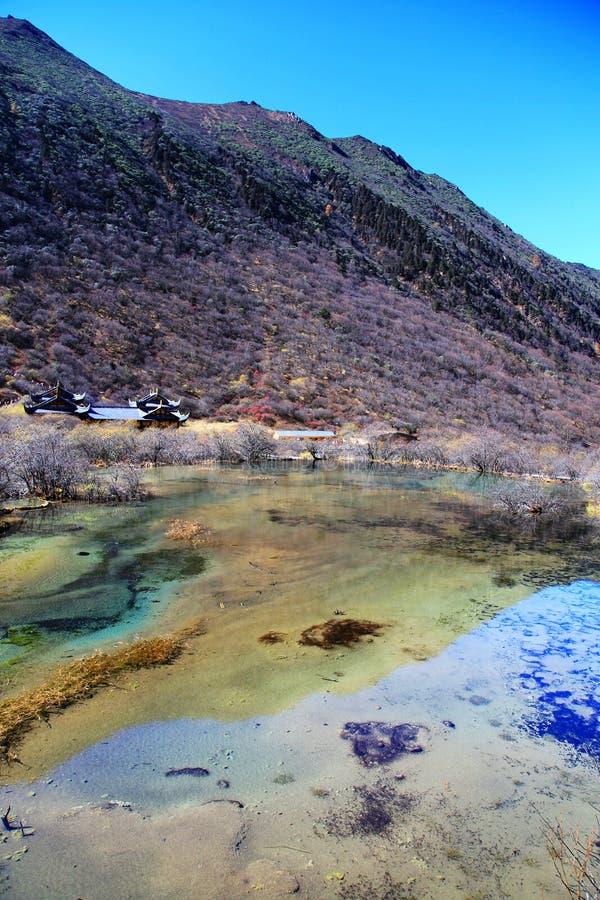 Het kleurrijke de herfstlandschap van het nationale park van Huanglong royalty-vrije stock afbeelding