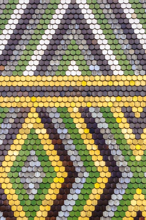 Download Het Kleurrijke Oude Patroon Van Het Tegelsdak Stock Foto - Afbeelding bestaande uit ontwerp, geweven: 39101868