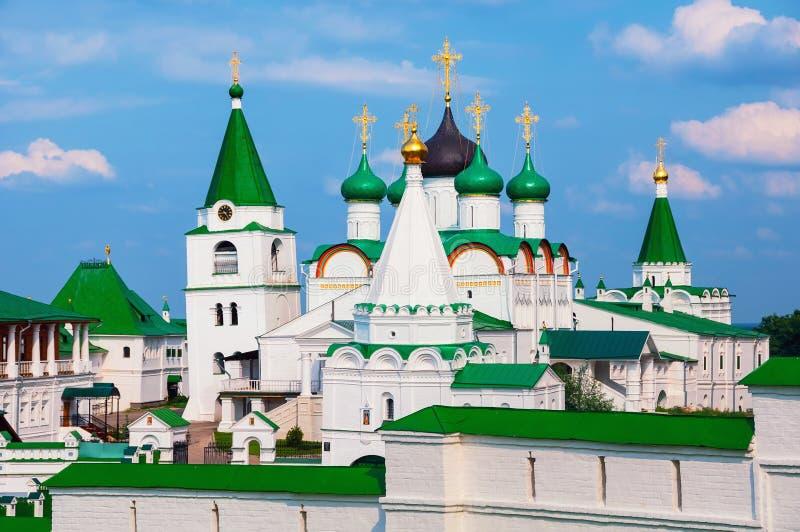 Het Klooster van de Pecherskybeklimming in Nizhny Novgorod, Rusland stock afbeelding