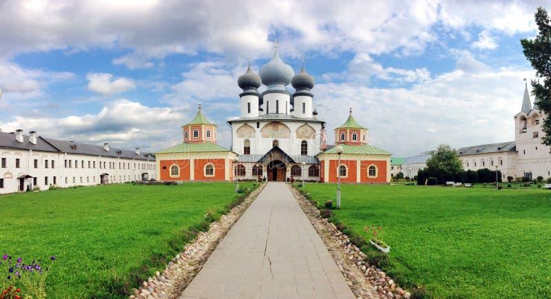 Het Klooster van de Tikhvinveronderstelling stock foto