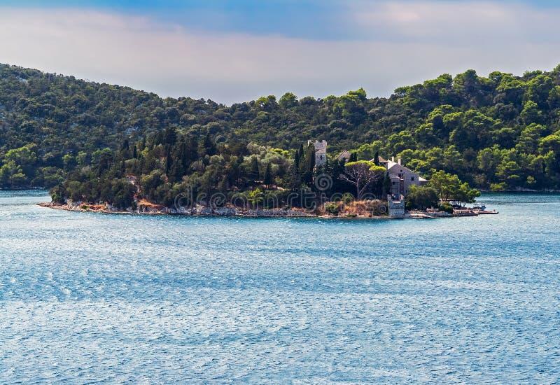 Het klooster van heilige Mary op Mljet-eiland - Kroatië stock fotografie