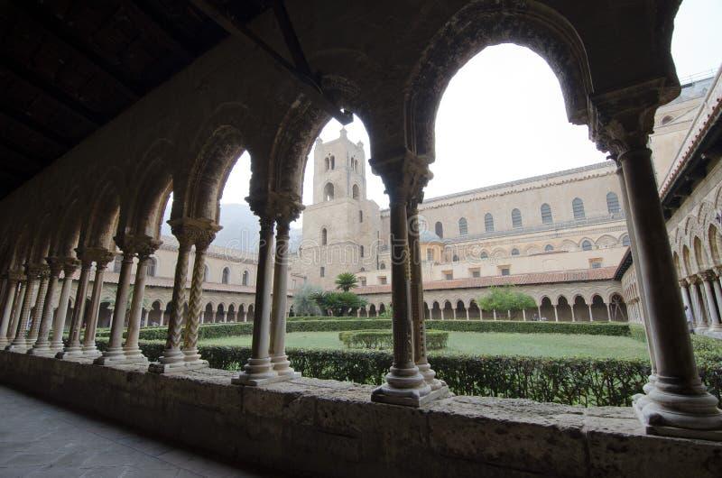 Het Klooster van Monreale. Horizontaal royalty-vrije stock afbeelding