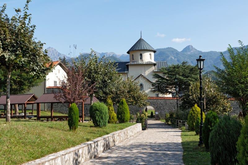 Het klooster van Moraca, Montenegro stock foto's