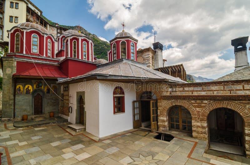 Het klooster van Osiou Gregoriou, zet Athos op stock afbeelding