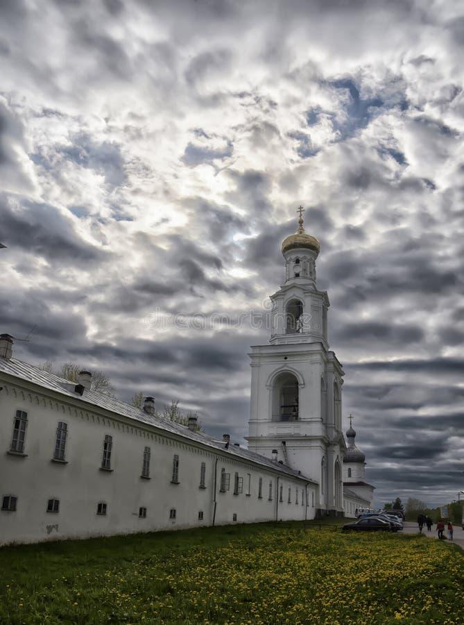 Het klooster van Rusland Veliky Novgorod Yuriev stock foto's