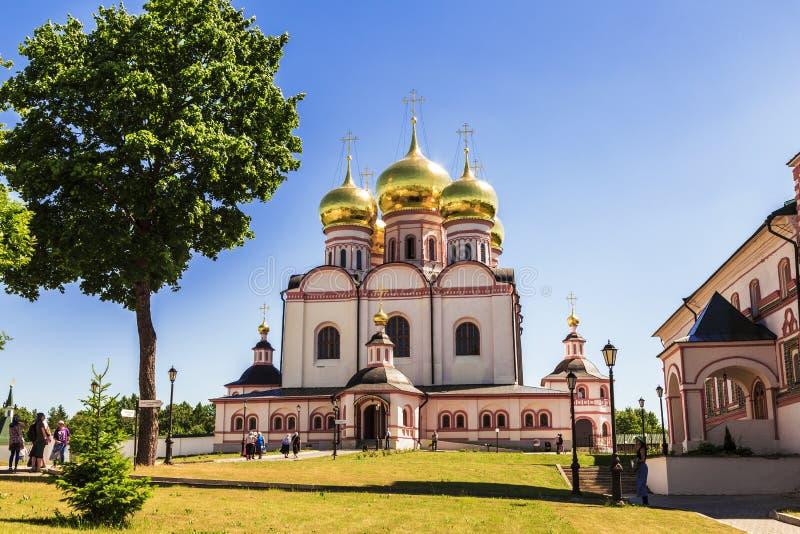 Het Klooster van Valdaiiversky Bogoroditsky Svyatoozersky, Veronderstellingskathedraal, Novgorod-Gebied royalty-vrije stock foto's