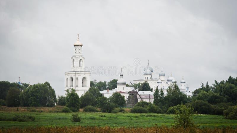 Het klooster van Yuriev in Grote Novgorod royalty-vrije stock foto