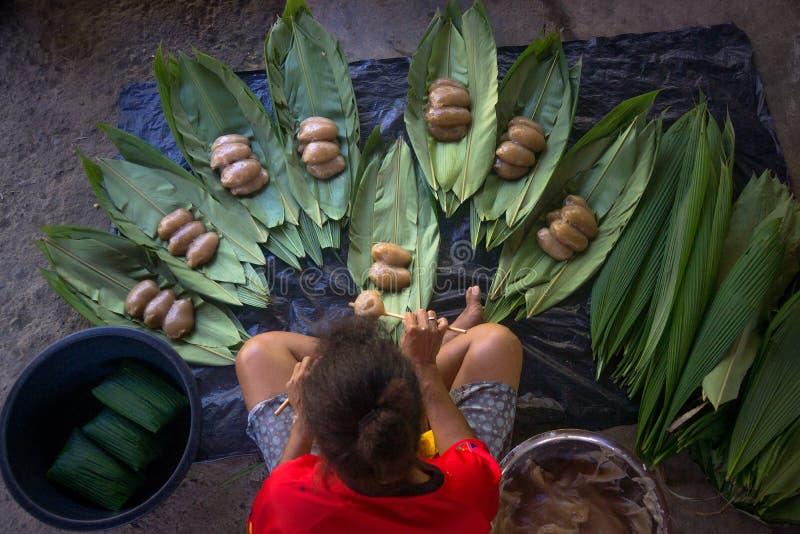 Het koken van traditionele schotel van PNG royalty-vrije stock foto