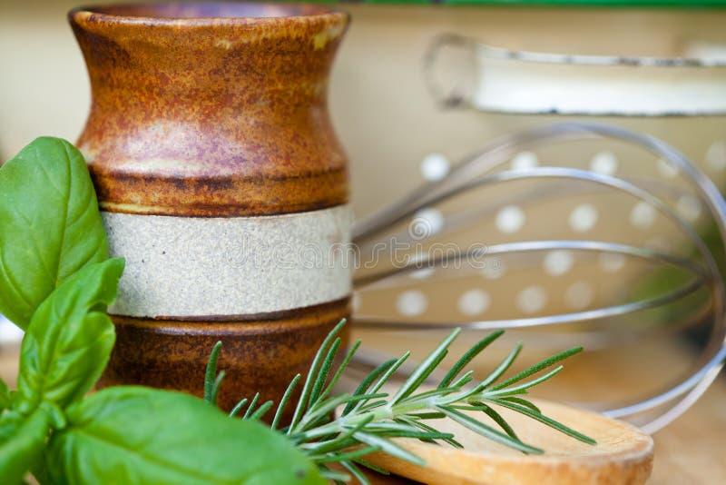 Het koken - Werktuigen en Kruiden stock fotografie