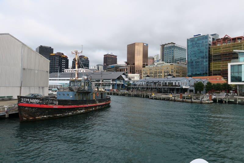 Het komen van in Wellington door boot Ergens in Nieuw Zeeland stock foto