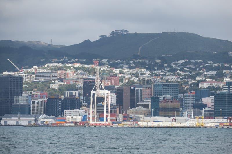 Het komen van in Wellington door boot Ergens in Nieuw Zeeland stock afbeeldingen