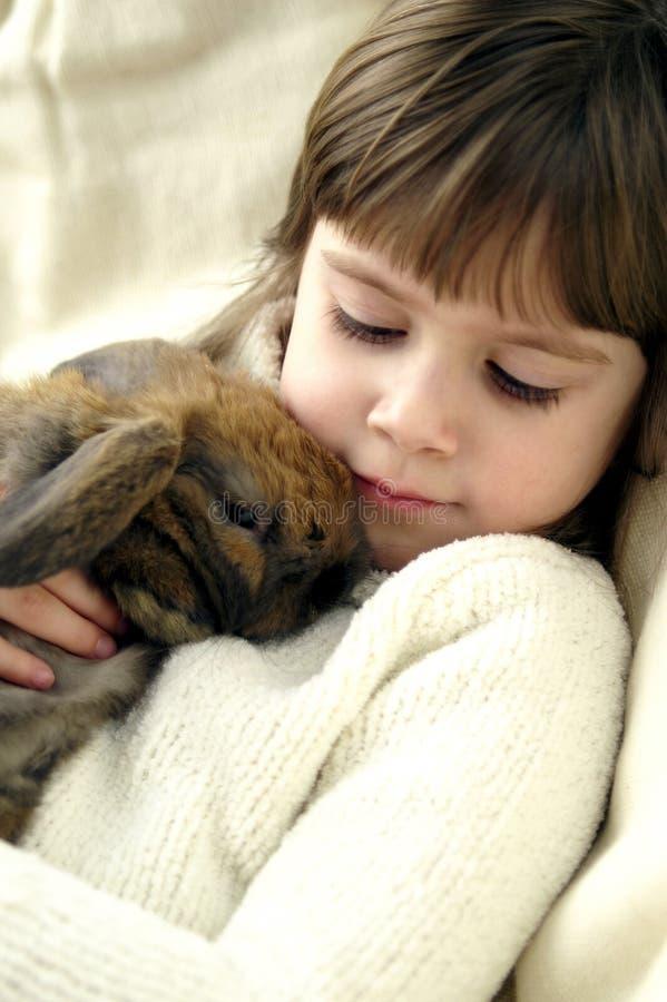 Het konijntje van Snuggle stock foto