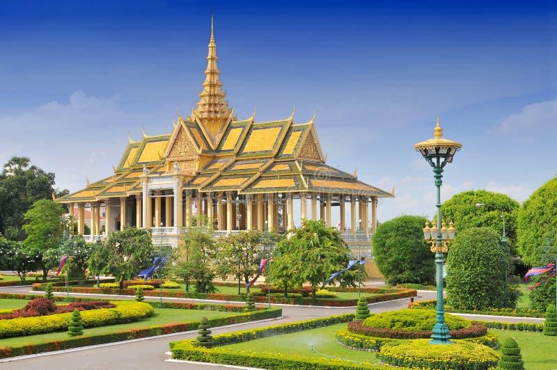 Het koninklijk paleis in Phnom Penh, Cambodja stock afbeeldingen