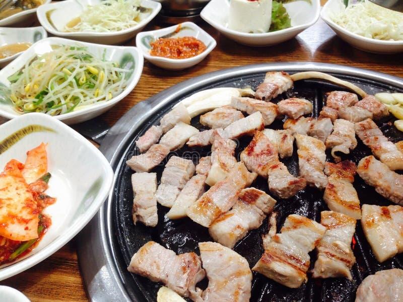 Het Koreaanse voedsel, BBQ, roosterde Varkensvlees in het Koreaanse Restaurant, Zuid-Korea royalty-vrije stock fotografie