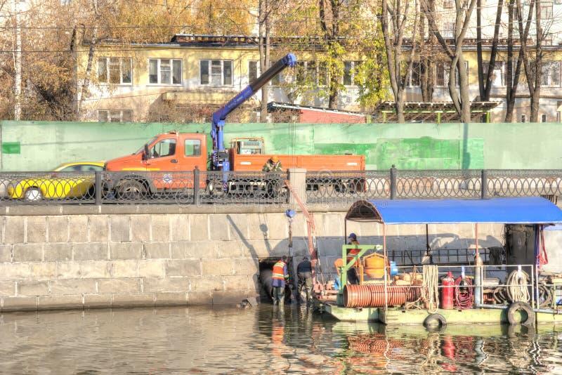 Het Kremlin Het werk aangaande het Vodootvodny-Kanaal royalty-vrije stock fotografie
