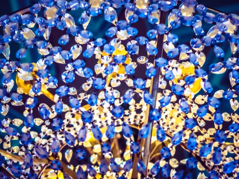 Het kristalachtergrond van de onduidelijk beeld blauwe luxe stock foto's