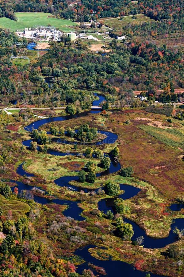 Het kronkelen rivier, luchtmening royalty-vrije stock foto
