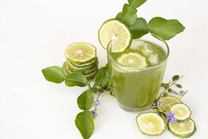 Het kruiden gezonde water van de dranken kaffir kalk bevroren cocktail royalty-vrije stock foto