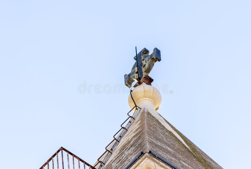 Het Kruis op het dak van een toren in de binnenplaats van Kerk van de Veroordeling en de Heffing van het Kruis dichtbij Lion Gate stock afbeeldingen