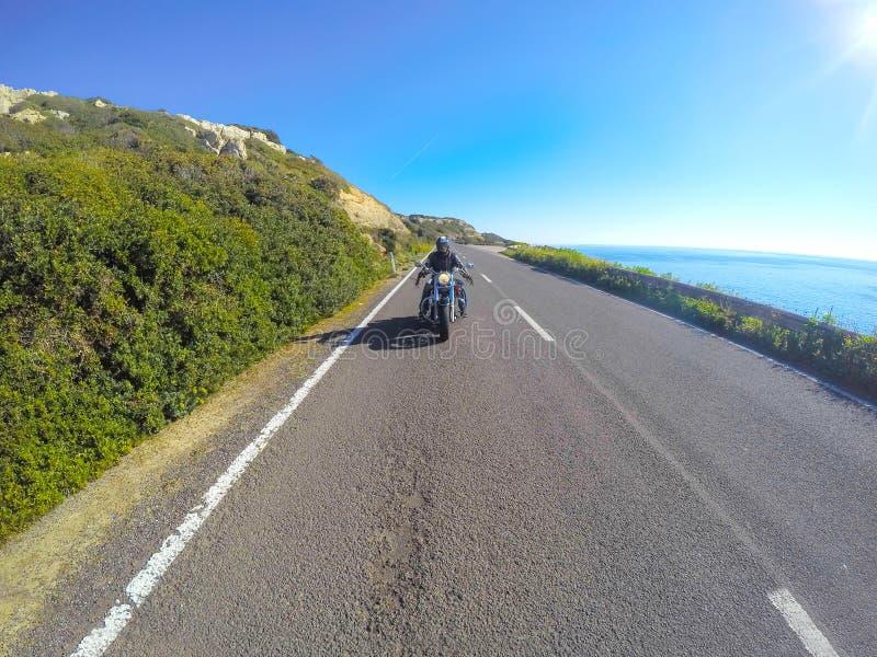 Het kruisen door het overzees in Sardinige stock foto's