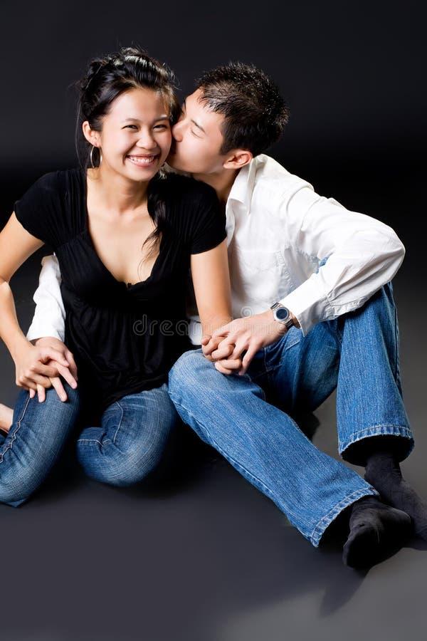 Het kussen op haar wang royalty-vrije stock fotografie