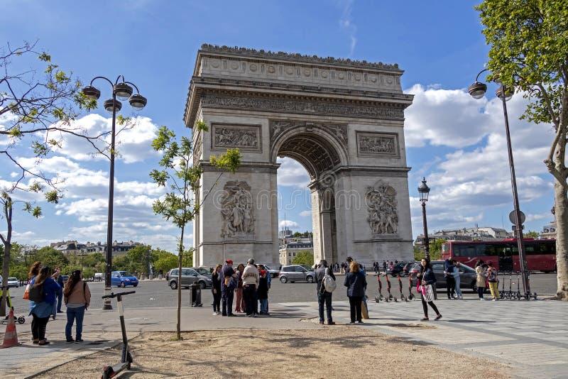 Het l'Etoile beroemde historische monument van Arc de Triomphe DE in Parijs, Frankrijk royalty-vrije stock foto