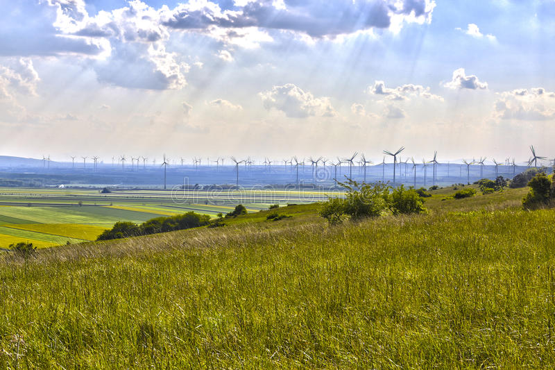 Het land van windmolengebieden stock fotografie