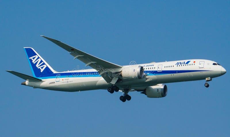 Het Landen van All Nippon Airways ANA Boeing 787-9 Dreamliner stock foto's