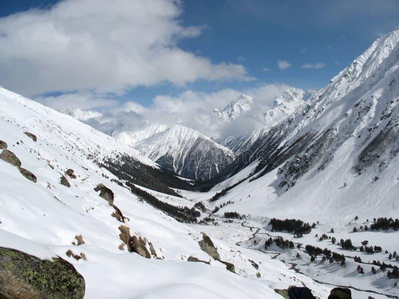Het landschap de Kaukasus van bergen stock foto's