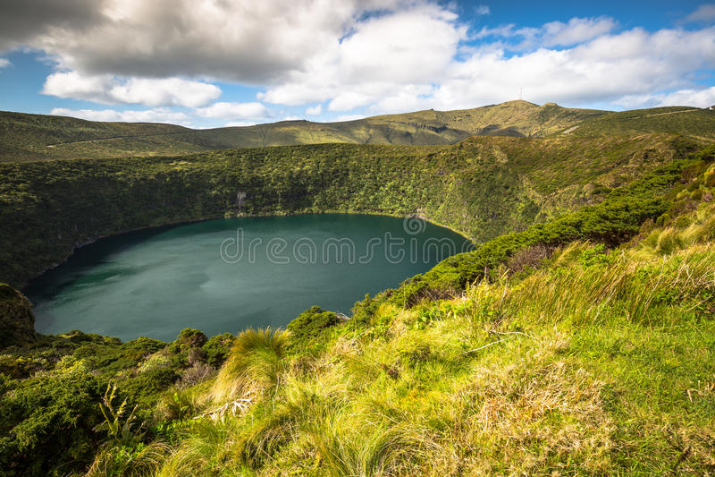 Het landschap van de Azoren in Flores-eiland Watervallen in Pozo DA Alagoin stock fotografie