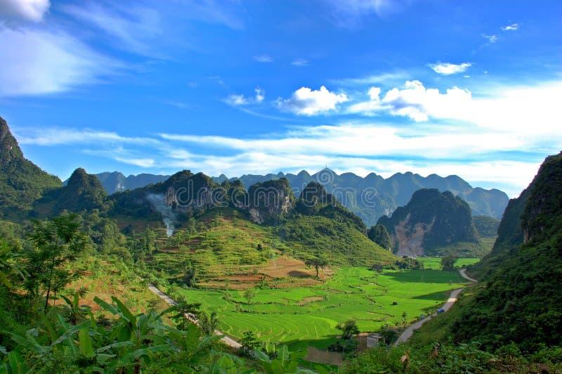 Het landschap van de berg in Vietnam stock afbeelding