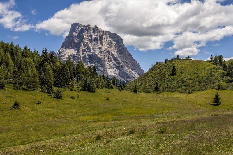 Het landschap van de de zomerberg - Dolomiet, Italië royalty-vrije stock foto