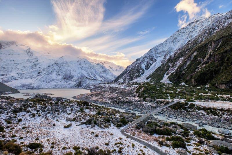 Het landschap van de sneeuwwinter in het nationale park van Aoraki, Nieuw Zeeland royalty-vrije stock foto's
