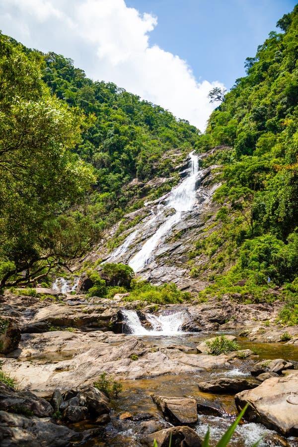 Het Landschap van de Tonanriwaterval, aard van het zuidelijke deel van Hainan-Provincie, China stock foto