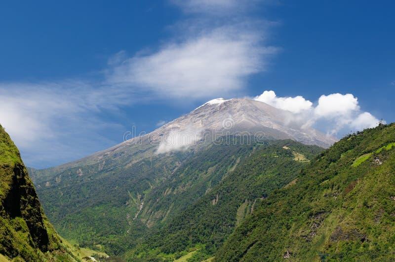 Het landschap van de vulkaantungurahua van Ecuador stock afbeeldingen
