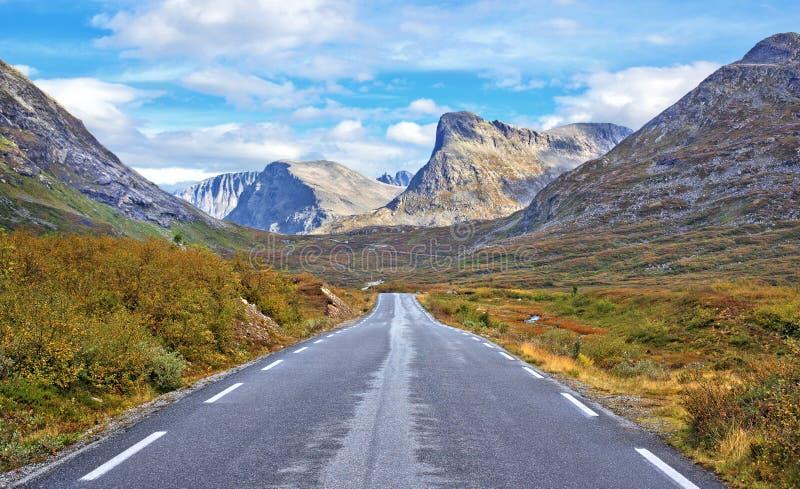 Het landschap van de weg royalty-vrije stock afbeeldingen