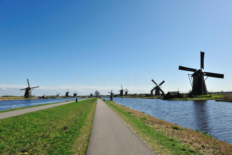 Het landschap van de windmolen bij Nederland Kinderdijk royalty-vrije stock afbeelding
