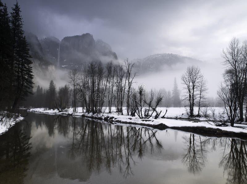 Het landschap van de winter in yosemitevallei royalty-vrije stock afbeeldingen