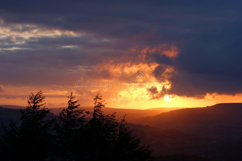 Het landschap van de zonsondergang royalty-vrije stock afbeeldingen