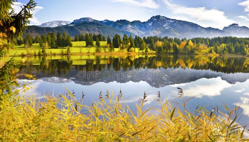 Het landschap van het panorama in Beieren stock afbeelding